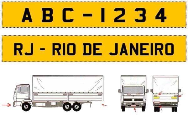 Contran exigirá aplicação de novos adesivos em caminhões