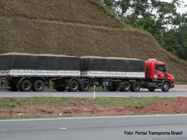ANTT já recadastrou quase 660 mil transportadores no RNTRC. Saiba como fazer o registro