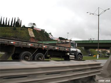 BNDES suspende Finame PSI para caminhões. Procaminhoneiro está mantido