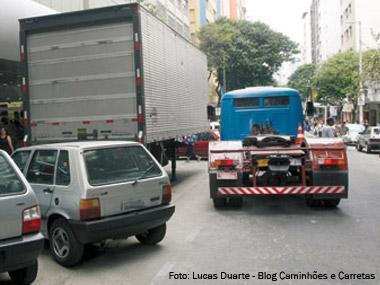 Veículos pesados têm novas regras de circulação em Belo Horizonte (MG)