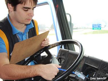 Fiscalização do Ipem-SP flagra 53% de caminhões com problemas no cronotacógrafo
