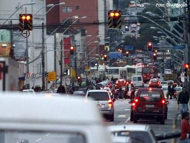 Curitiba terá restrições aos caminhões em quase 40 vias