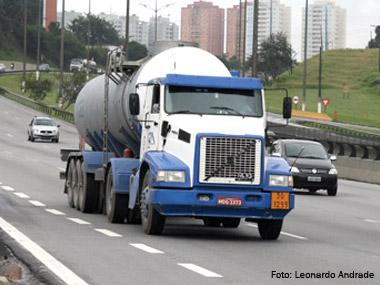 Prefeitura de São Paulo define novas restrições a caminhões