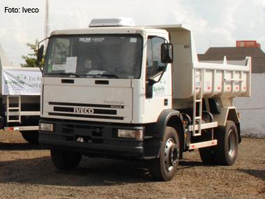 Iveco entrega 30 caminhões Eurocargo Attack para prefeitura de Rio Verde (GO)