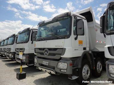 Mercedes-Benz vende 115 caminhões para a Camargo Corrêa
