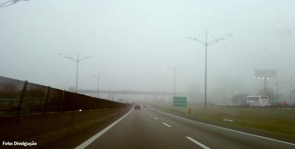 anchieta-imigrantes-neblina