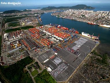 Porto de Santos bate recorde de movimentação de cargas em 2012