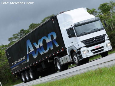 Mercedes-Benz cede cavalo-mecânico para o SEST/SENAT de Campinas (SP)