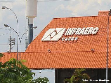 Infraero verifica 56 itens antes de receber cargas perigosas em seus armazéns