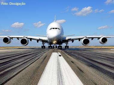 Airbus A380 completa dez anos em atividade