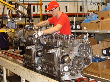 Cummins faturou US$ 1,9 bilhão em 2011 com produção recorde de motores