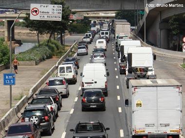 Multas na Marginal Tietê (SP) começaram nesta segunda