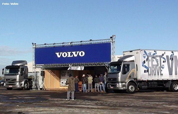 Volvo realiza Caravana e promove test drive com seus caminhões