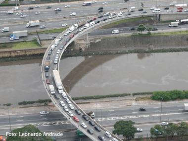 Restrições na Marginal Tietê completam um mês