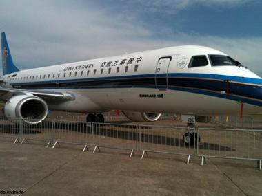 Oito países marcam presença na Expo Aero Brasil 2012, em São José dos Campos (SP)