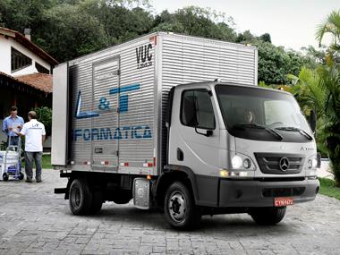 Mercedes-Benz Accelo 815 é o caminhão Euro 5 mais vendido do Brasil