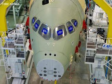Mercado de aviação comercial ensaia retomada em 2012