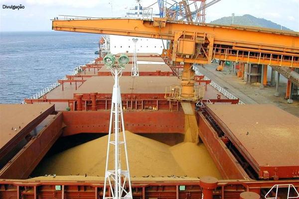 Mato Grosso exporta um navio de soja por dia - Agência Transporta Brasil