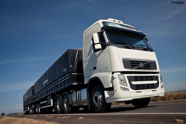 Câmbio automatizado equipa 90% dos caminhões Volvo FH no Brasil