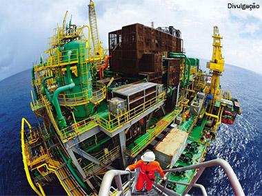 Petrobras vai investir R$ 140 bilhões no abastecimento do mercado interno de combustível