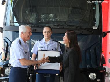 Força Aérea compra 33 caminhões Ford Cargo