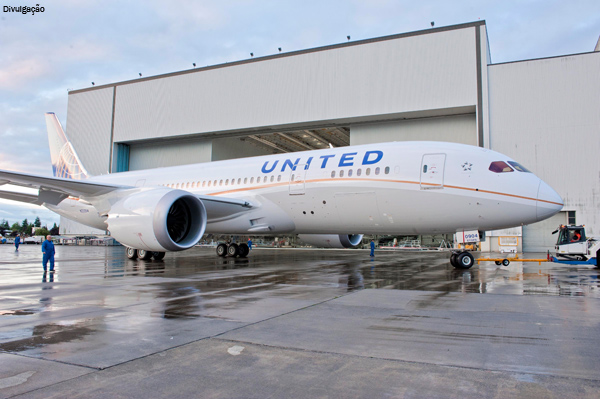 united-airlines-787