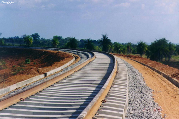 ferrovia-trilhos
