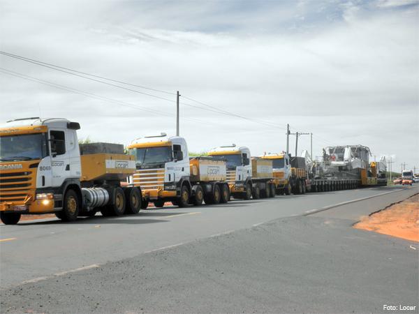 Locar realiza transporte de equipamento super pesado para a Volkswagen