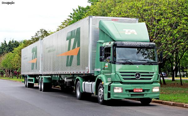 Transportadora Americana leiloa parte da frota de caminhões