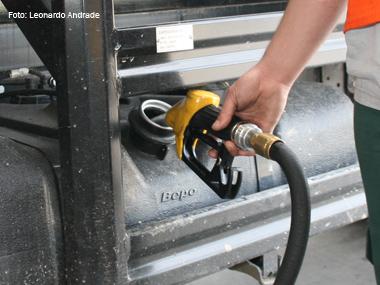 Diesel e gasolina sofrem reajuste de 5,4% e 6,6%