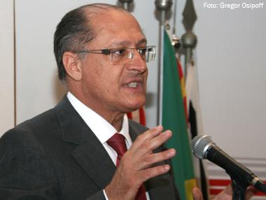 Governador de SP promete incentivos ao transporte de cargas