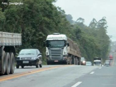 PRF proíbe veículos de grande porte nas rodovias federais em feriados