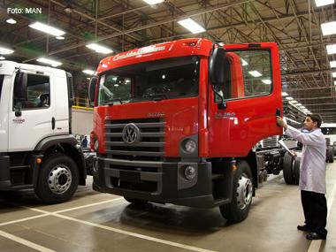 Fábrica da MAN em Resende (RJ) atinge marca de 600 mil caminhões produzidos