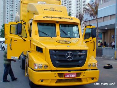 Empresas investem no transporte blindado para vencer roubo