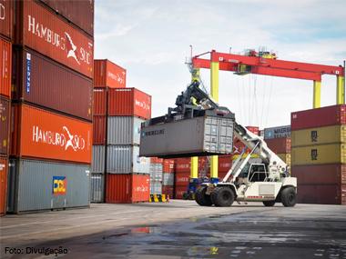Terminal de Chibatão (AM) expande frota portuária com 309 novos veículos em seis meses
