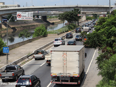 Mais de cem municípios do Brasil já criaram restrição ao trânsito de caminhões