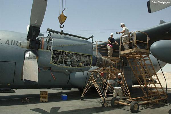 Rolls Royce Firma Contrato De R 70 Milh 245 Es Com A Marinha