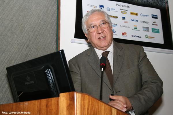 Dr. Marcos Aurélio Ribeiro, advogado especialista nos assuntos do transporte de cargas