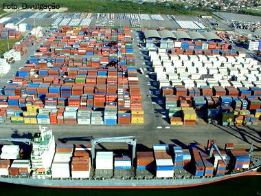 Portos do Paraná movimentam 18,2 milhões de toneladas de janeiro a maio