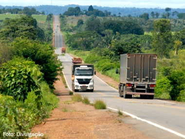 Câmara dos Deputados aprova MP que propõe refinanciamento da dívida na compra de caminhões