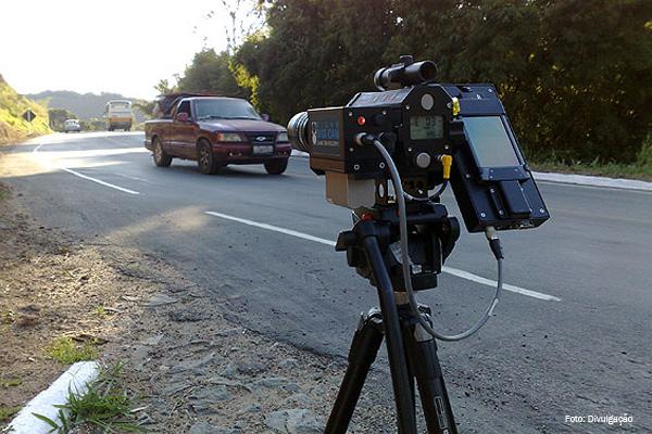 Governo publica ato que acaba com radares móveis nas rodovias federais