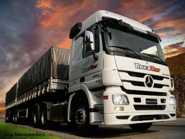 Covre é a primeira empresa a adquirir novo Actros 2655 6×4 V8