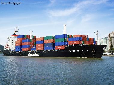 White Martins realiza primeira entrega de cilindros por navio