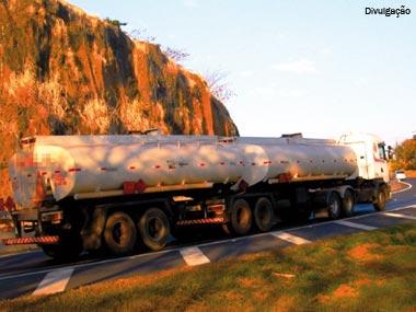 Transportadoras de produtos perigosos deverão fazer recadastramento no IBAMA