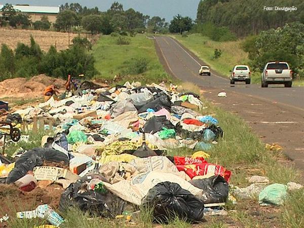 Lixo-rodovias