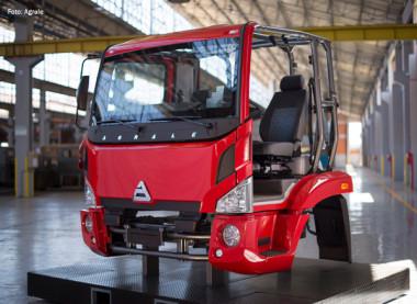 Agrale inicia produção de caminhões em nova fábrica no Espírito Santo