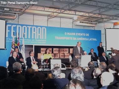 Fenatran 2013 abre as portas com as principais novidades do transporte rodoviário