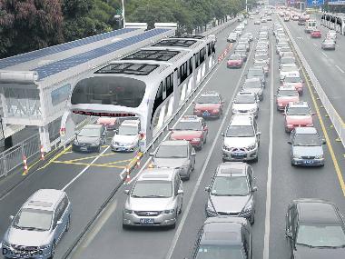 Engenharia do futuro: ônibus chinês traz solução curiosa para as grandes cidades