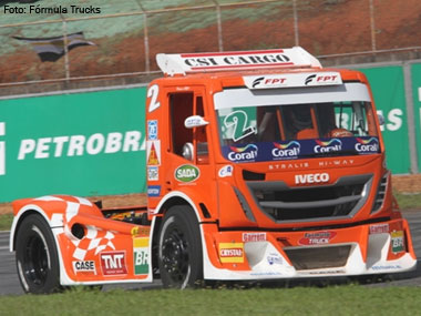 Scuderia Iveco vence Fórmula Truck 2013
