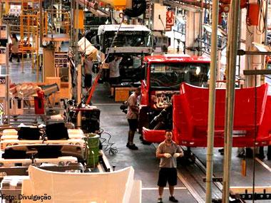 Governo prorroga PSI e zera IPI de forma permanente para caminhões